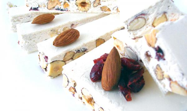 What does nougat taste like?